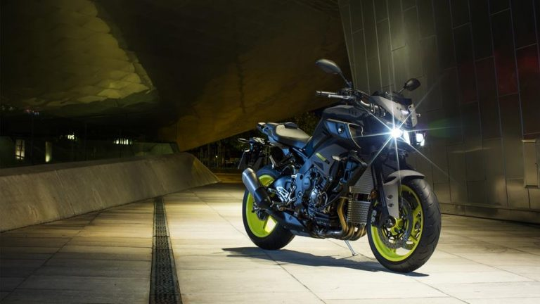 2018-yamaha-mt-10-eu-night-fluo-static-001